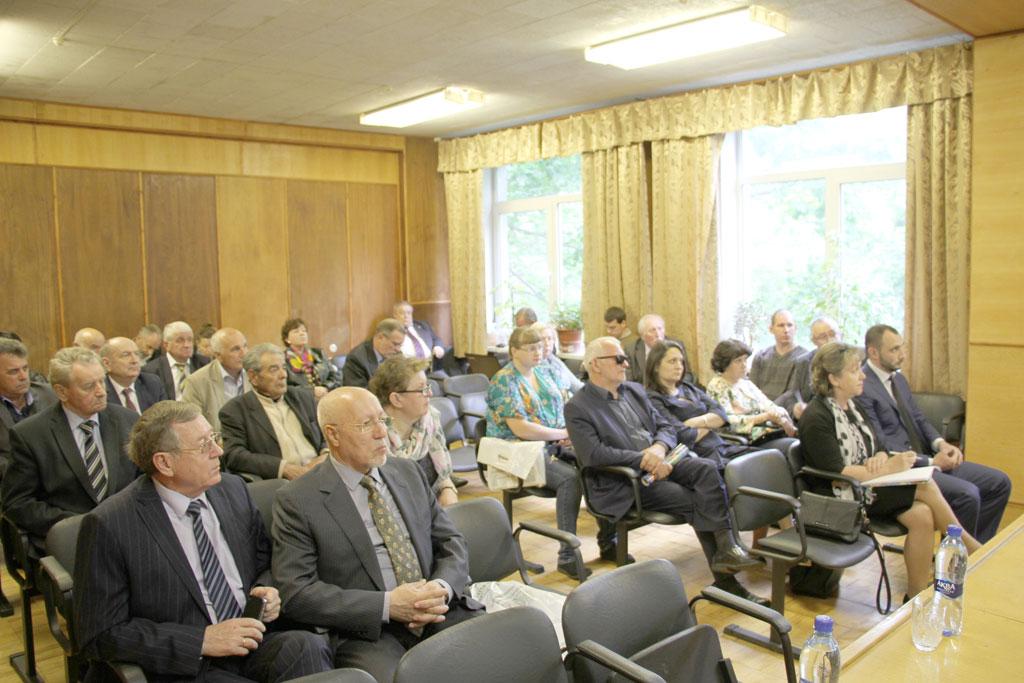 В совещании участвовали представители около 30 организаций